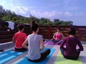 Slow Down and Be Grateful Yoga Practice @ Studio Yoga